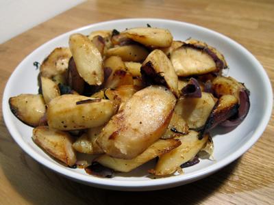 Sunday Roast: Roasted Garlic/Onion Parsnips + Roasted Leg of Lamb ...